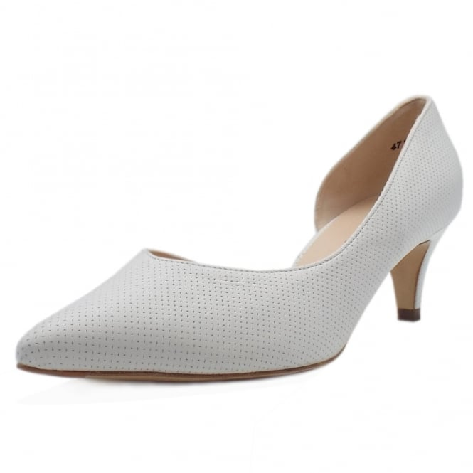 Caete Kitten Heel Pointy Toe Court Shoes in White Pin