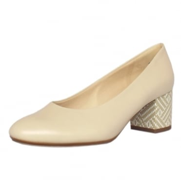 Christin Court Shoes With Block Heel Detail in Lana