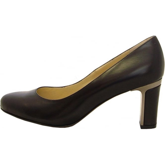 Koli black leather rounded toe court shoes