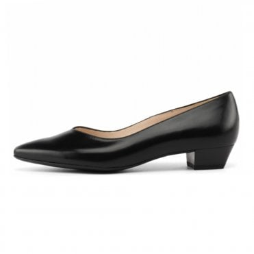 Limba Black Leather Pointy Toe Low Heel Pumps