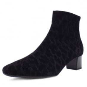 Osara Fashion Ankle Boot in Black Tulia