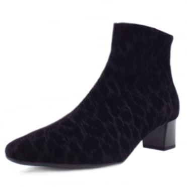Osara Ladies Heeled Ankle Boot in Black Tulia