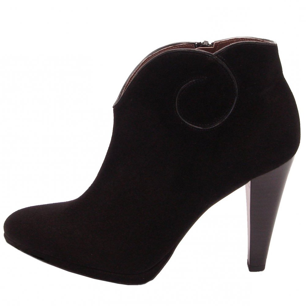 kaiser piper high heel ankel boots in black suede