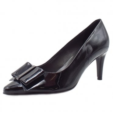 Rexa Black Lack Pointed Toe Patent Leather Pumps