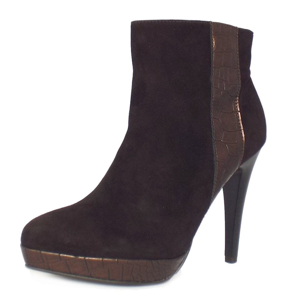 Free shipping on women's booties at imaginary-7mbh1j.cf Shop all types of ankle boots, chelsea boots, and short boots for women from the best brands including Steve Madden, Sam Edelman, Vince Camuto and more. Totally free shipping & returns.