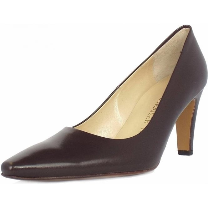 Tosca classic pointy toe brown court shoes