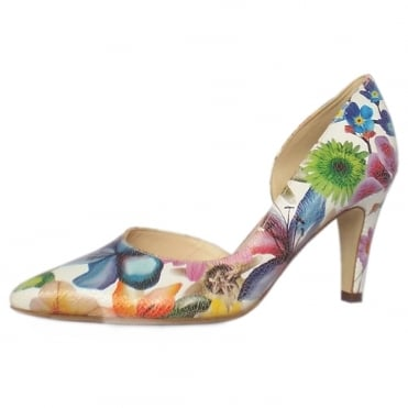 Petra Pointed Toe Shoes in White Flower
