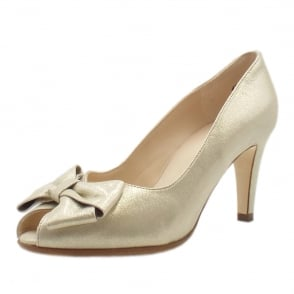 Stila Ladies Peep Toe Shoes in Sand Star
